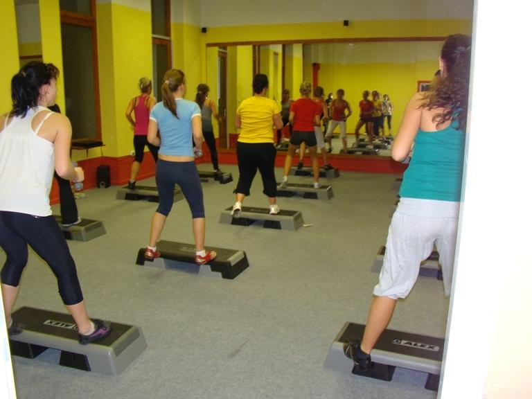body-step-aerobic-2